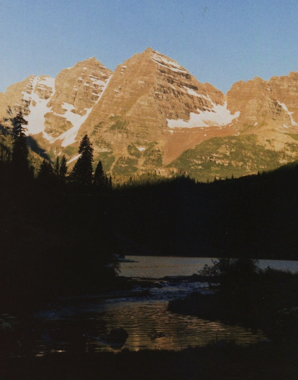 Dawn on Maroon Bells